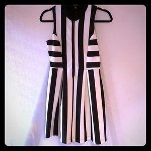 Monteau black/white w front zipper Striped Dress